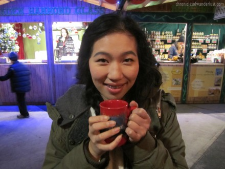 chroniclesofwanderlust-vancouverchristmasmarketapplecidermug