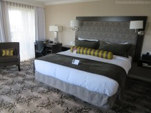 chroniclesofwanderlust_hotel_grand_pacific_victoria_room_suite